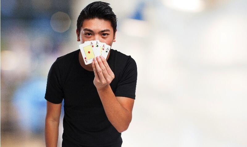 Poker face -Ice breaker